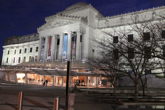 BROOKLYN MUSEUM NIGHT SHOT