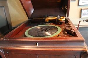 IMG_8446 grammphone antique