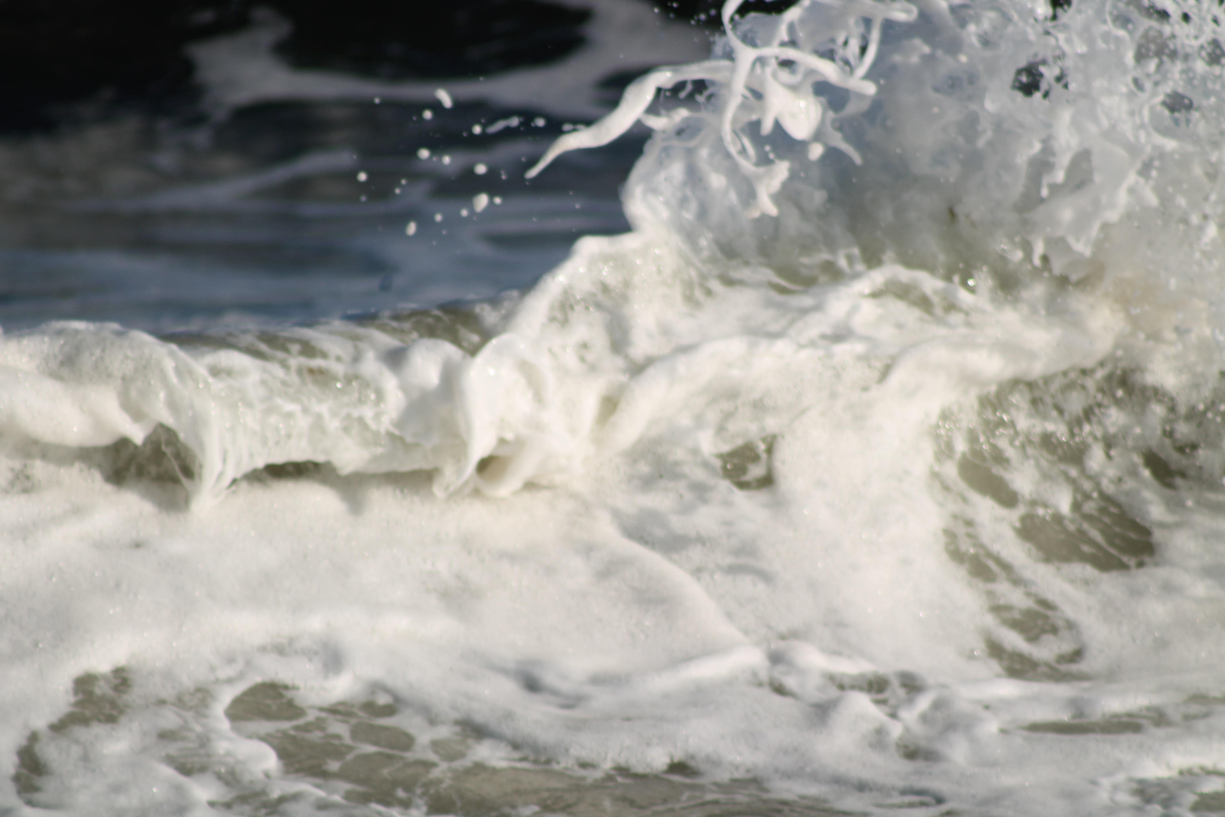 waves IMG_2197.jpg
